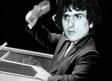 Toto si fa rode il culo alla notizia della vittoria di Fogli a Sanremo 1982. Lui manco partecipava, ma i comunisti so' così, vonno tutto a modo loro sempre
