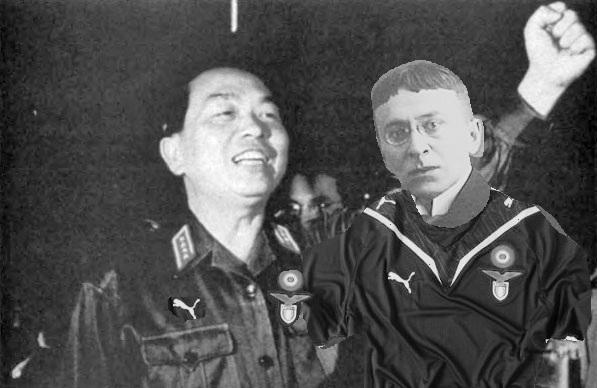Il comandante Giap e Karl Kraus con la maglia della Lazio (courtesy of fotomontaggifattimale.wordpress.com)